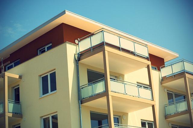 bytový dům, balkony