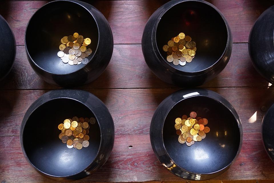 mince v miskách